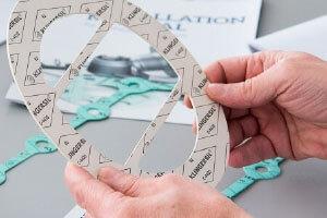 Inicia a produção de materiais de vedação isnetos de amianto (KSIL).